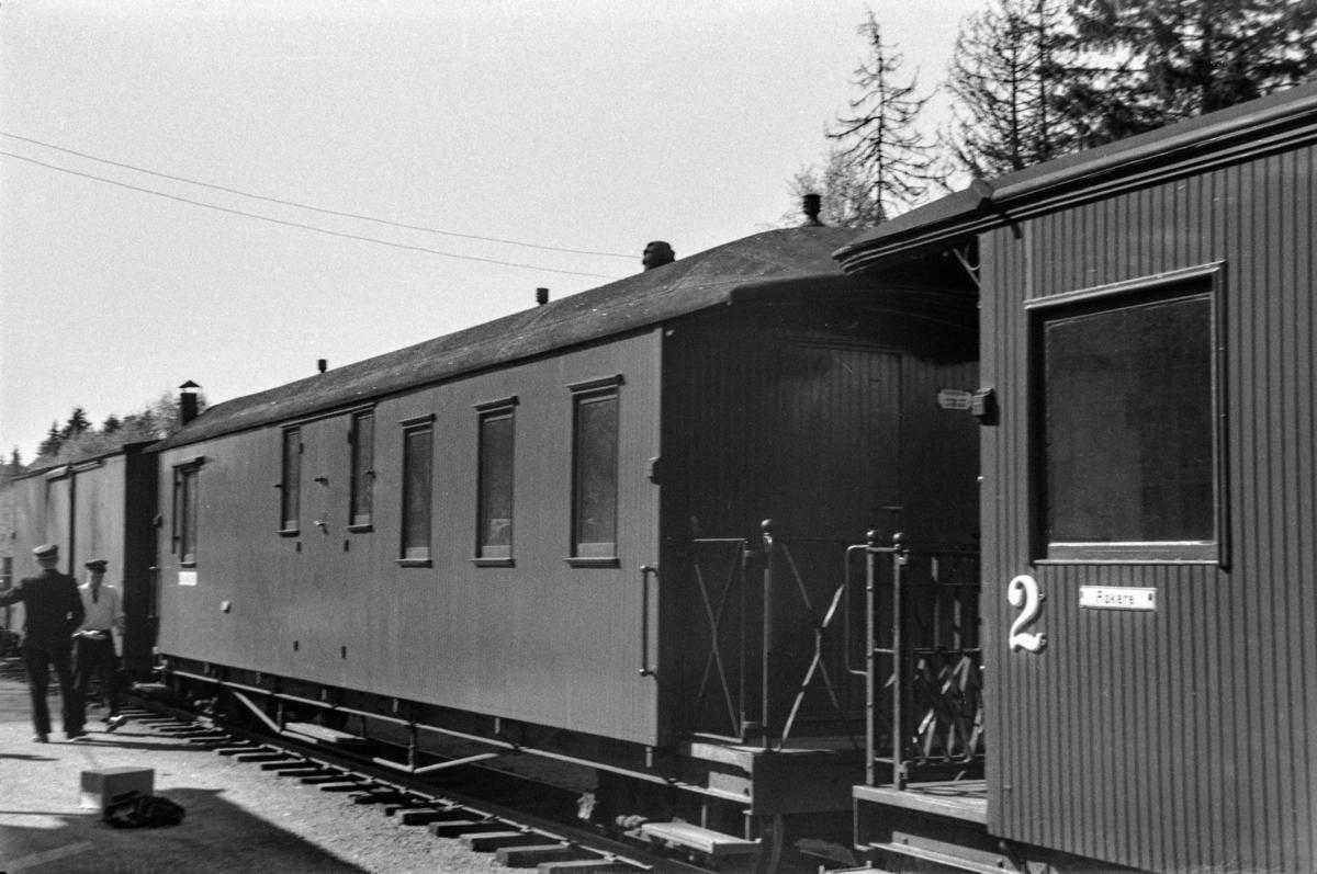 Aurskog-Hølandbanens personvogn BFo5 på Aurskog stasjon.