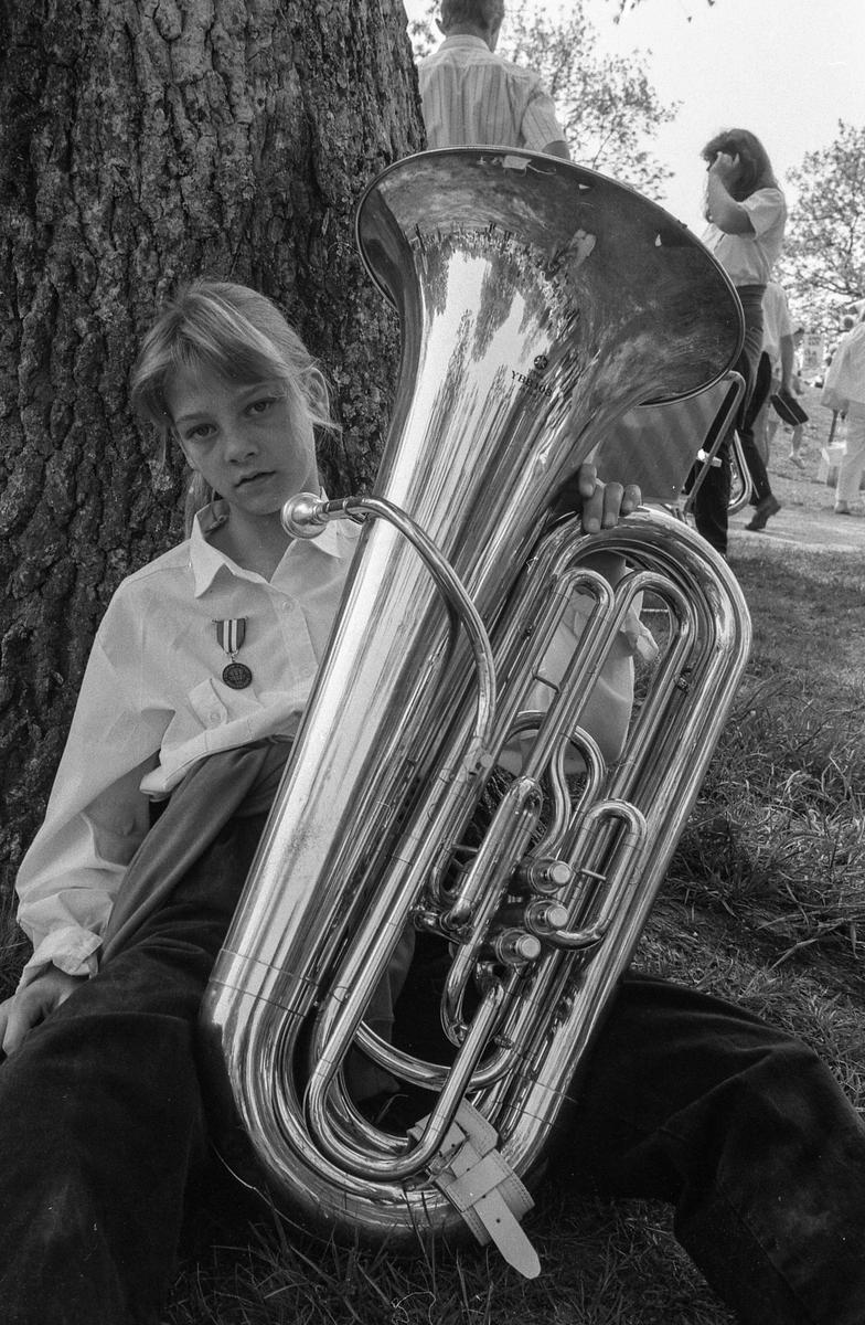 Drøbak-Frogn skolekorps arrangerer sommerstevne for korpsmusikanter i badeparken. Ordfører Bjørn Loge og Ragnhild Villand fra Vettre Skolekorps.