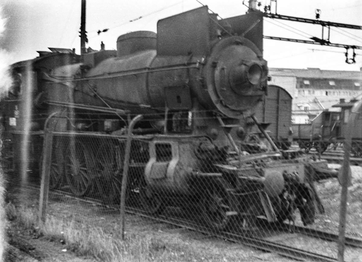 Utrangert damplokomotiv type 30b nr. 354 på Hamar stasjon.