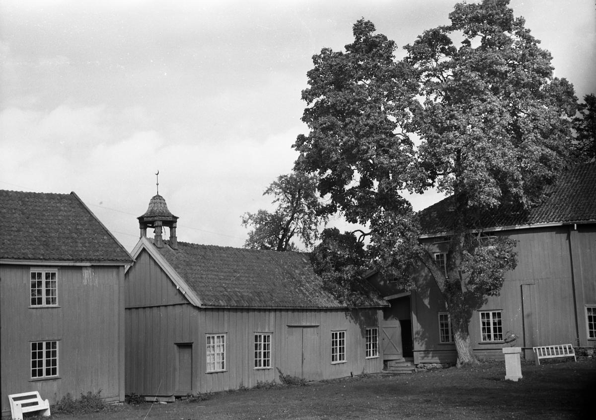 Fra amtmannsgården på Stenberg tidlig høst 1954.