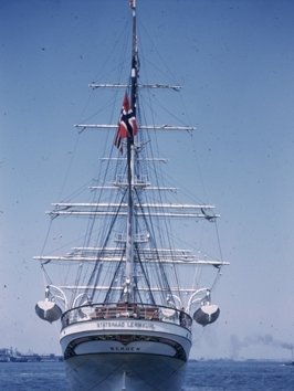 Skoleskipet STATSRAAD LEHMKUHL på tur til USA i 1952.