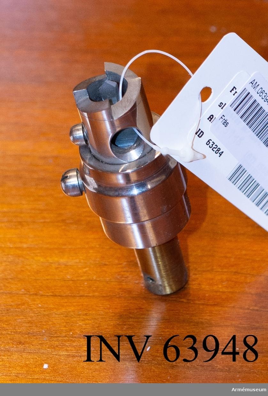 Grupp F II. Fräs för tillverkning av innerrör.  För granater till 7 cm framladdningskanon m/1863.