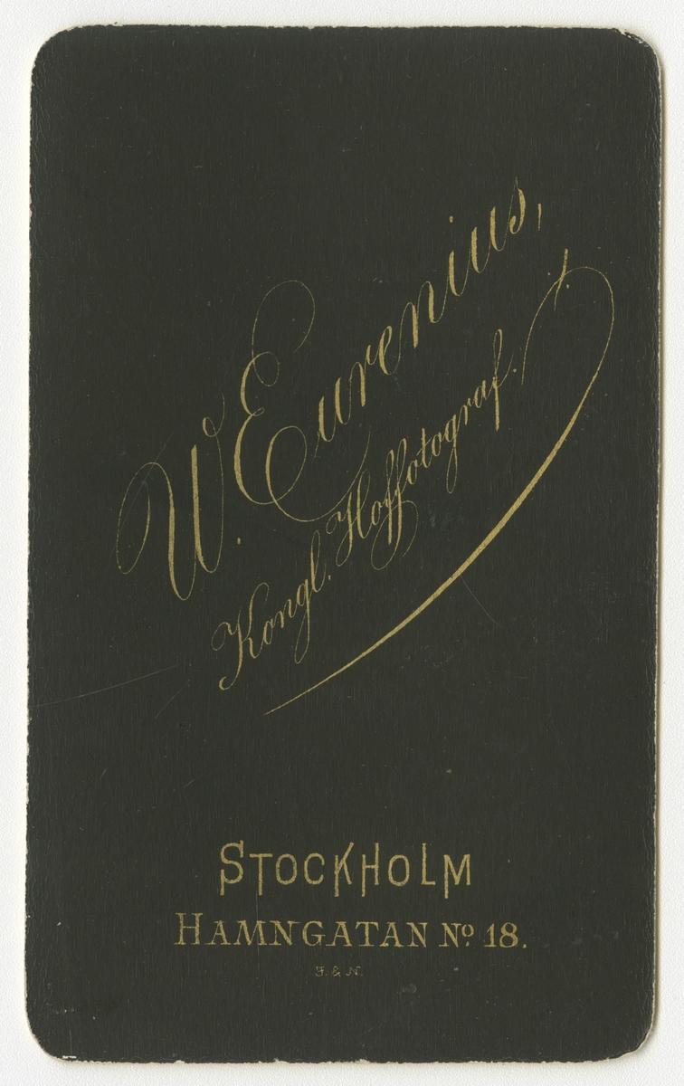 Porträtt av Hugo William Hamilton, officer vid Svea livgarde I 1.  Se även bild AMA.0007485 och AMA.0007499.
