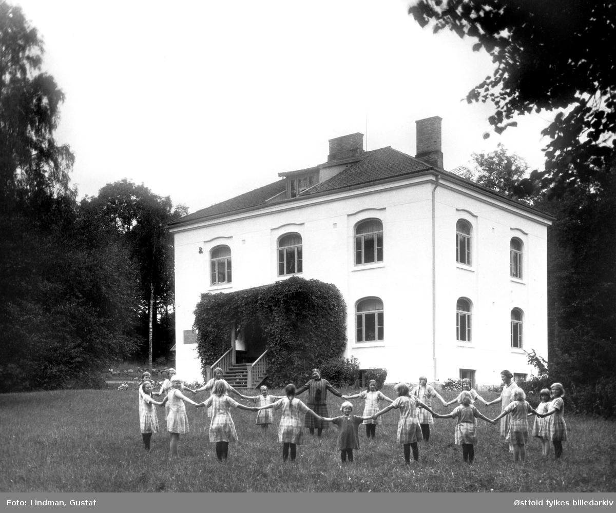 Orkerød barnehjem, Jeløy ved Moss, eier Den Norske Frimurerlosje, ant. 1920-tallet.