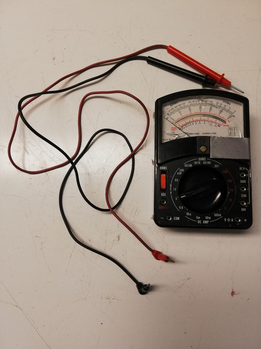 Ohmmeter, elektronisk måleinstrument for måling av elektrisk resistans (motstand).