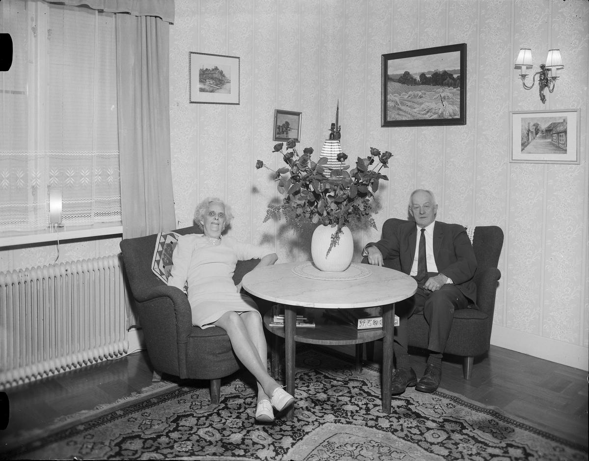 Paret Berggren i bostaden, Östhammar, Uppland 1968