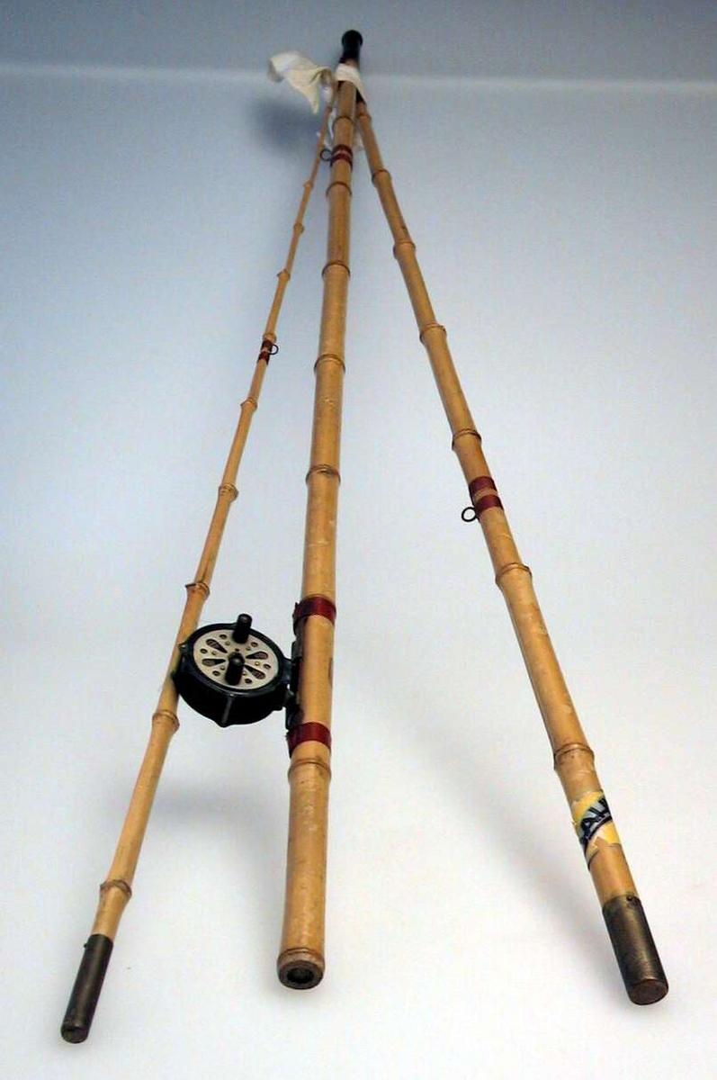 Fiskestang av bambus i tre deler med snelle.
