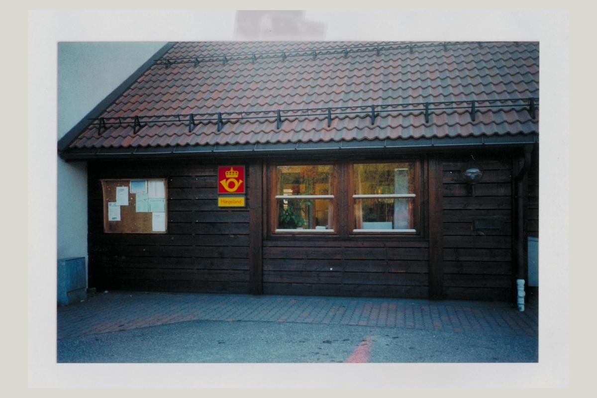 eksteriør, poståpneri, 4653 Hægeland, postskilt