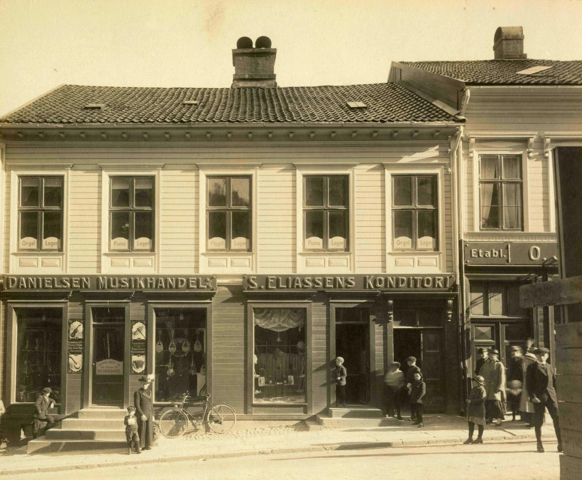 Stedsbilder Arendal Arendal enkelteiendommer mnr 51 - nr 1158