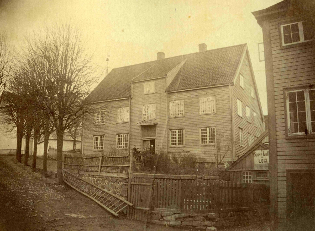 Fra John Ditlef Fürst fotoalbum. Hospitalet på Tyholmen. AAks. 44 - 4 - 7 - Bilde nummer 66