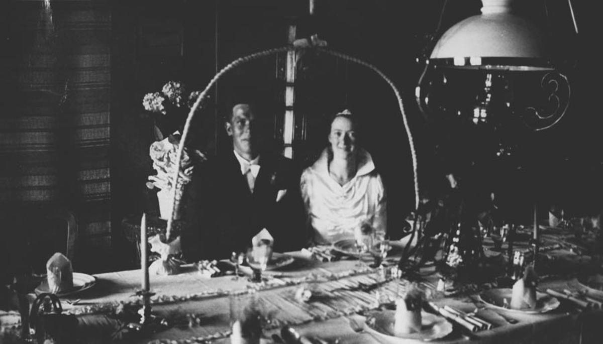 Bryllup. Kåre Gjevik og Alvilde Spong.