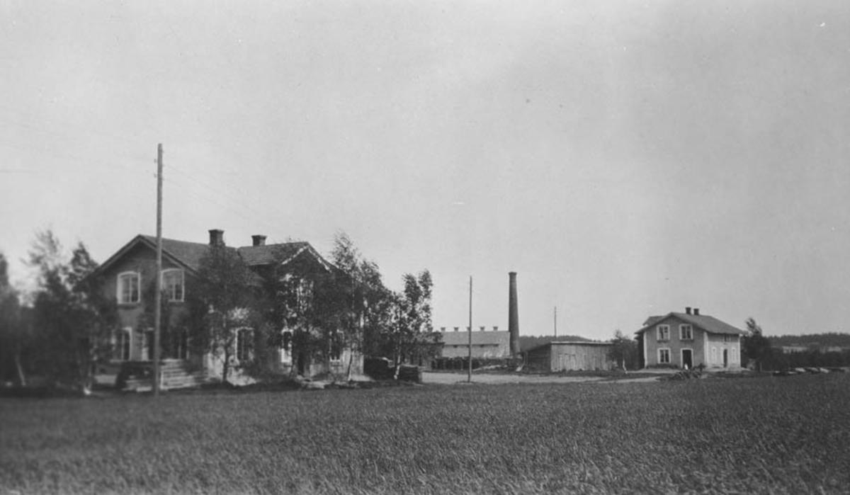 Arbeiderboligene til Hoelstad Teglverk, bygget ca 1900-, revet mellom 1975-80.
