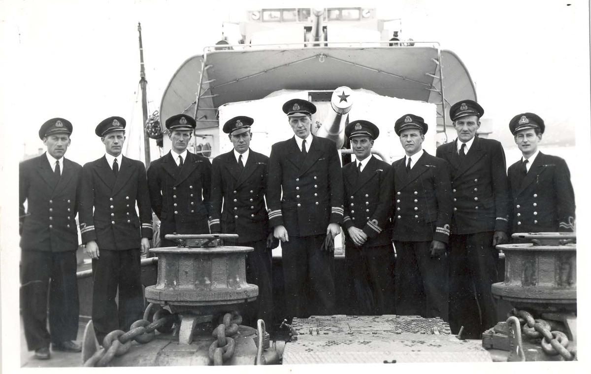 Jageren Stord, skipets offiserer i 1946