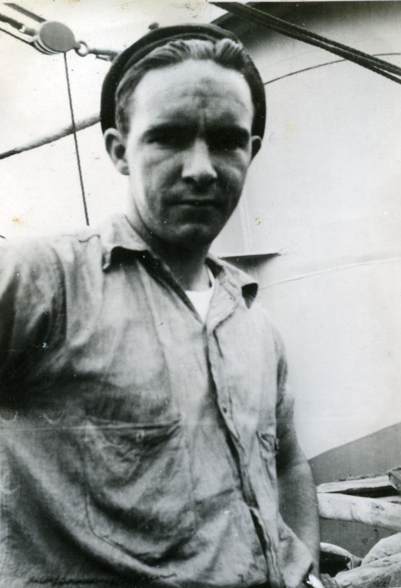 Album Ubåtjager King Haakon VII 1942-1946 Forskjellige bilder. H.Halvorsen.