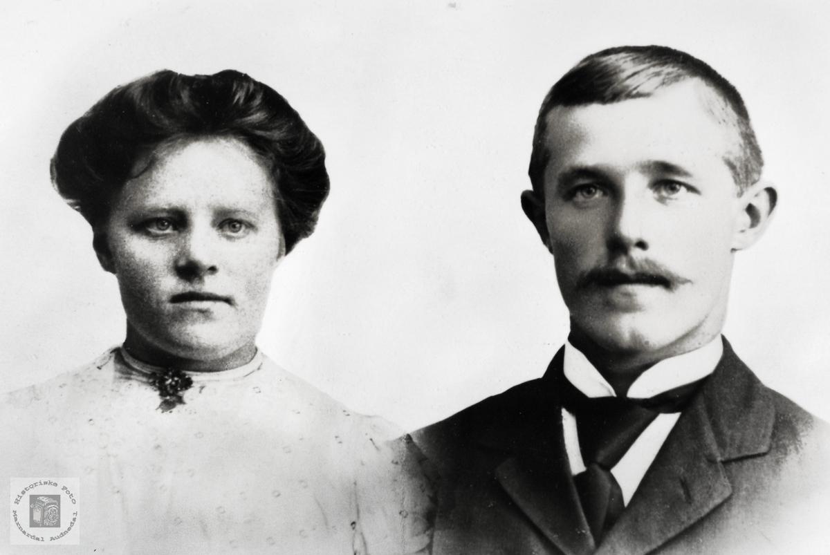 Portrett av ekteparet Elisabeth og Nicolay Petersen.