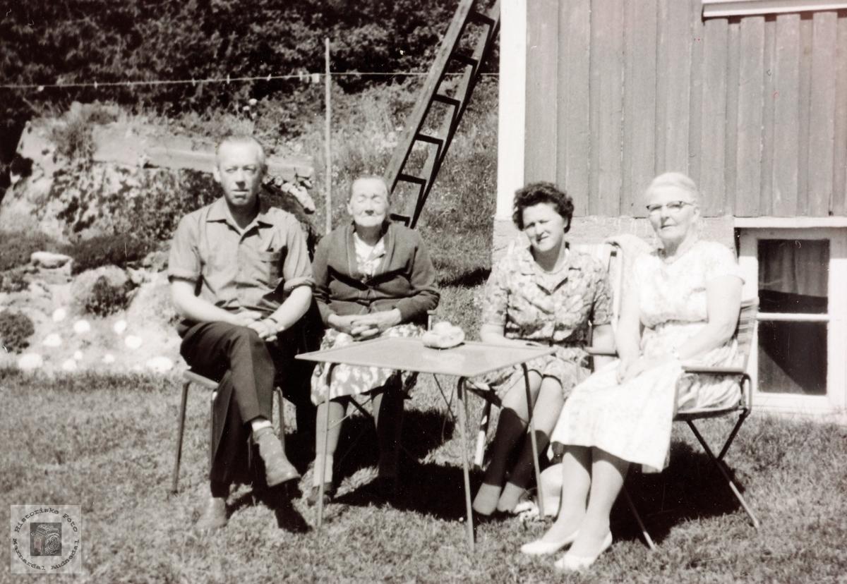 Familiebilde i Varåsen, Håland i Grindheim Audnedal.