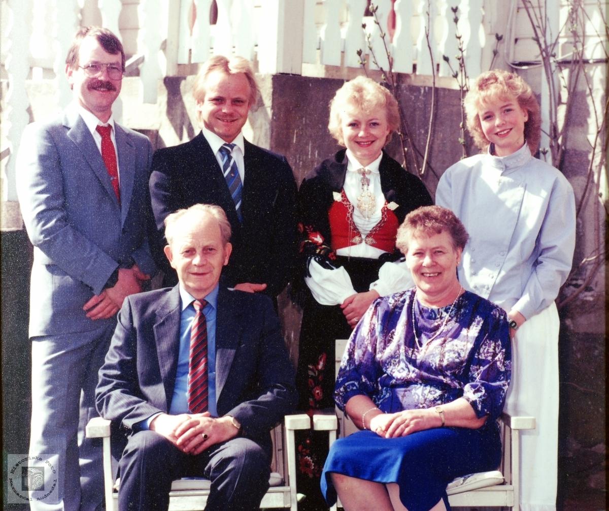 Familiebilde av familien Øydna. Audnedal.