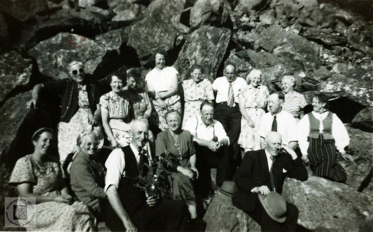 """Bondekvinnelaget arrangerte tur til """"Juvasstør"""" i Åseral."""