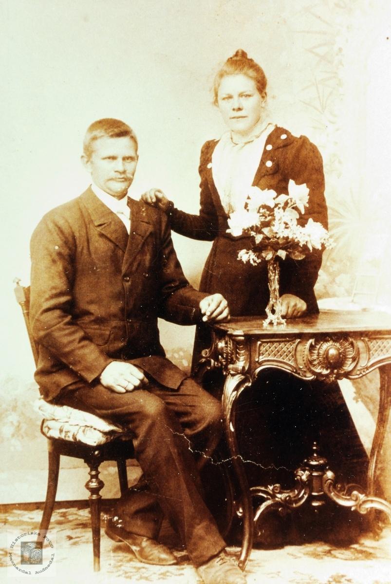 Portrett av brudeparet Ånen og Astri Leland. Grindheim.
