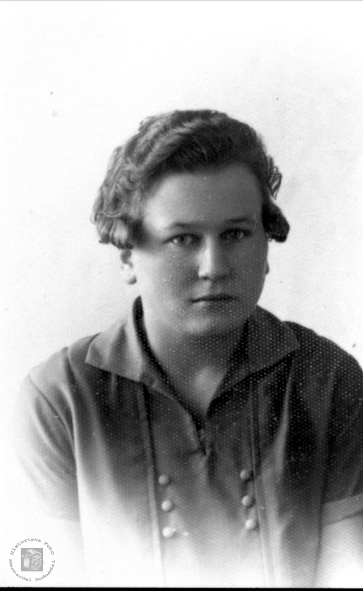 Portrett av Bertha Finsådal, Øyslebø.