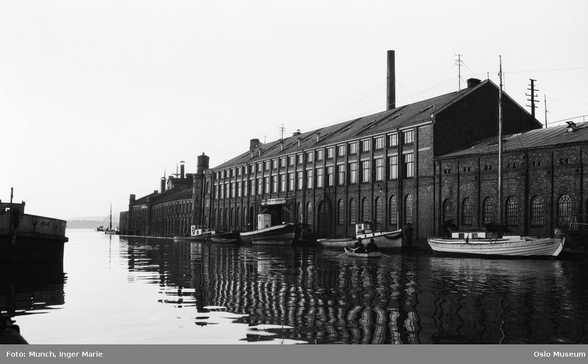 elv, Nylands verksted, skipsverft, fabrikkbygning, robåt, båter