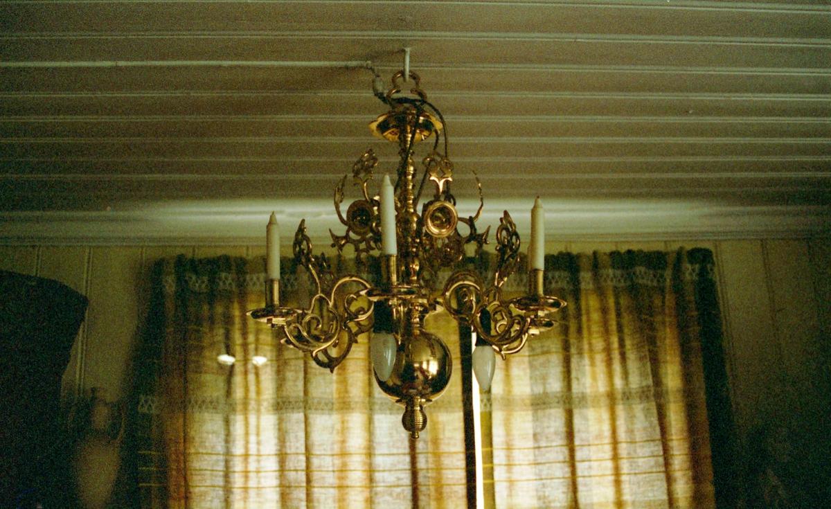 Renaissanse Staken er senere påmontert lyspærer.