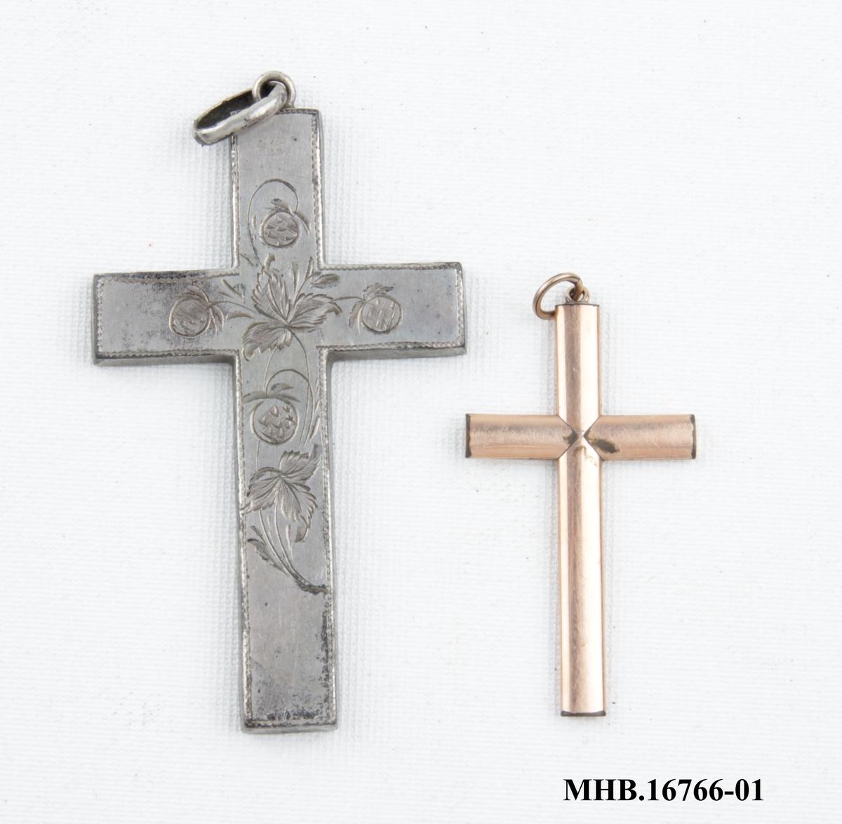 To forskjellige kors til halskjede.