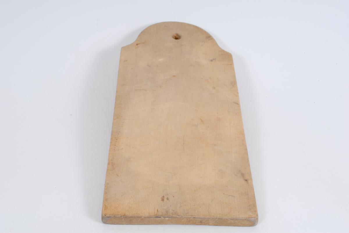 Form: Avrundet m/ hull i ene enden