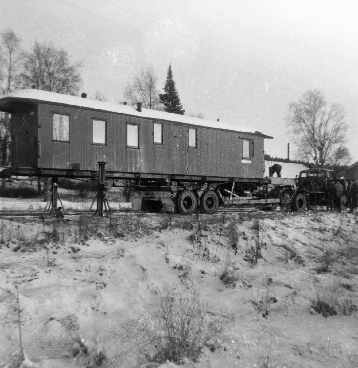 Transport av personvogn CFo 5 fra Skulerud til museumsbanen på Sørumsand.