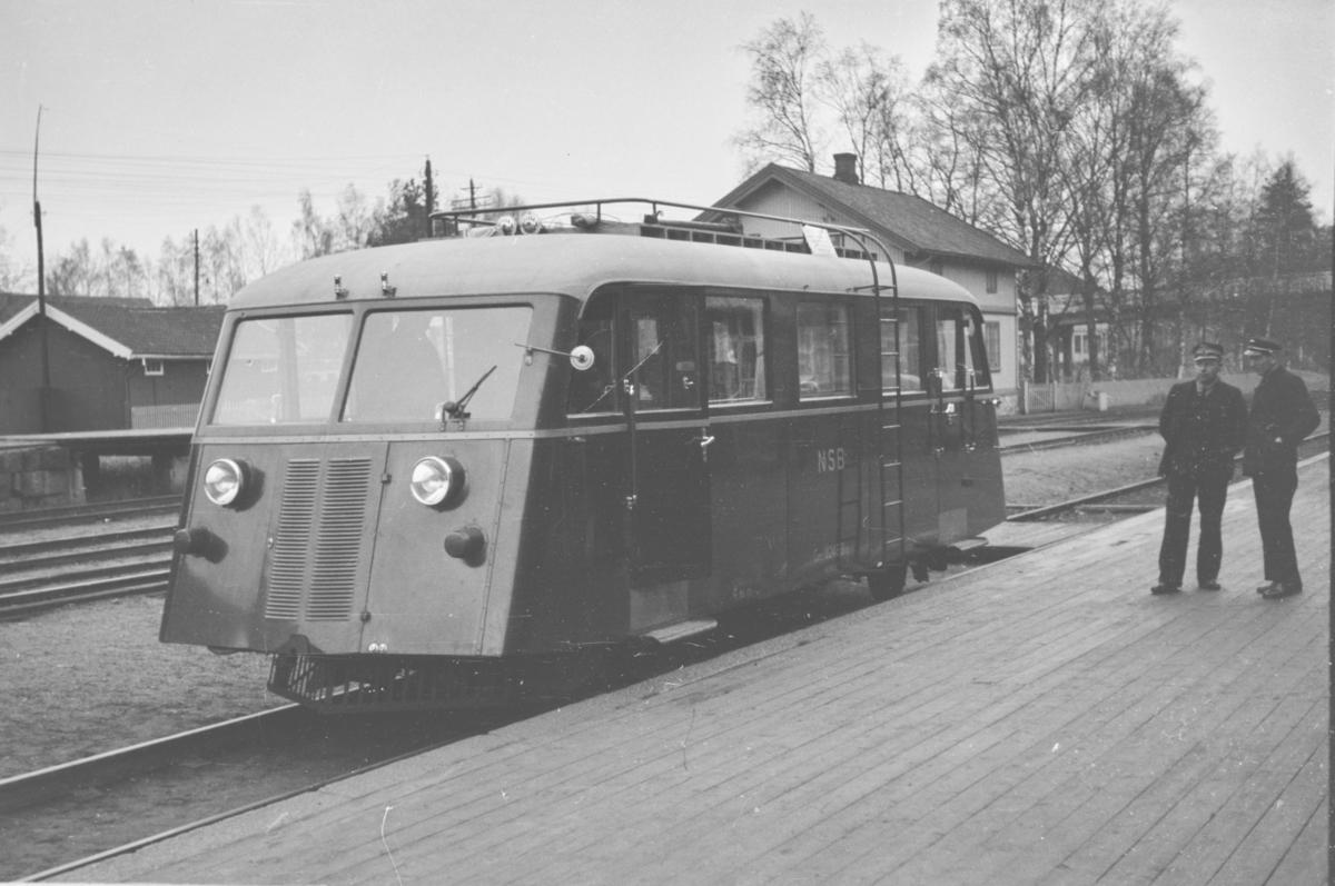 Prøvekjøring av NSBs motorvogn Cmb type 16 nr. 18246 Strømmen-Jessheim.