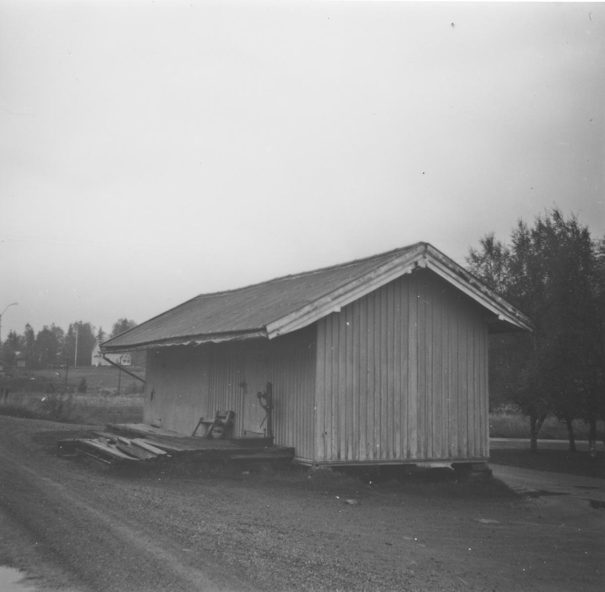 Godshuset på Fosser stasjon på den nedlagte Aurskog-Hølandsbanen.