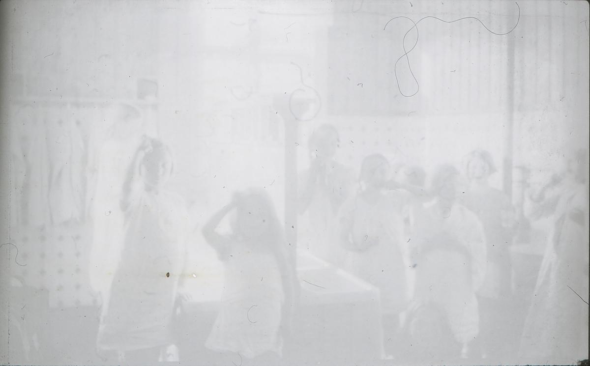 Brusetkollen friluftsskole: barn på vaskerommet.