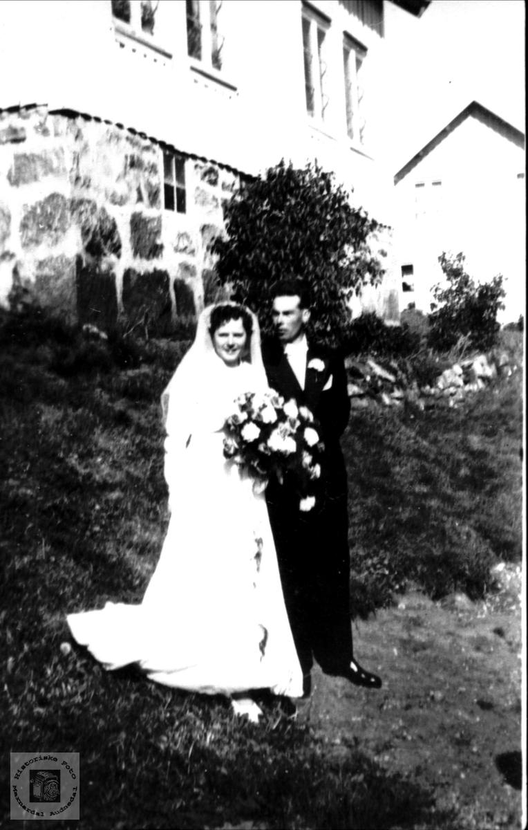 Brudepar. Ingrid Sveinall og Harald Eidså.