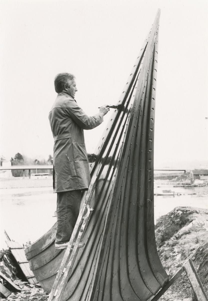 """""""Kvalsundskipet"""" oljes av Arne Øverberg."""