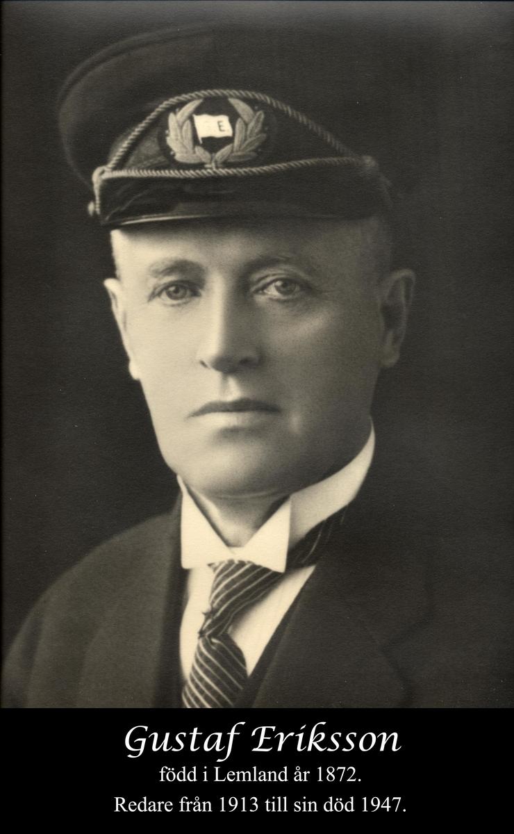 Redare verksam på Åland. Sjöfartsråd och kapten till utbildningen. Under 1920- och 1930-talen en av världens främsta segelfartygsredare. Inleder redarbanan 1913.  Ägde sammanlagt  40 segelfartyg, 16 ångfartyg och 10 motorfartyg mellan åren 1913-1917.