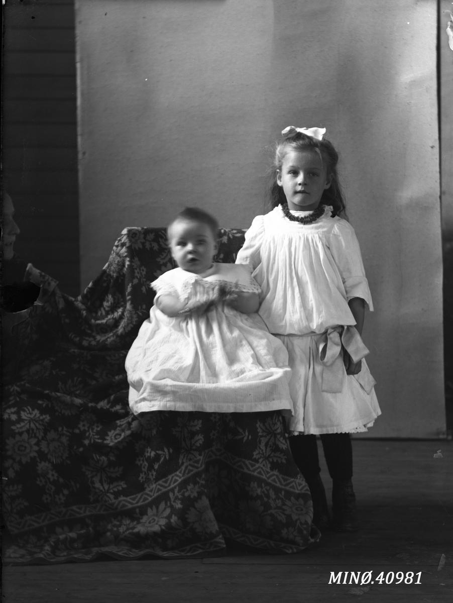 Portrett av to små barn - Svendsens barn