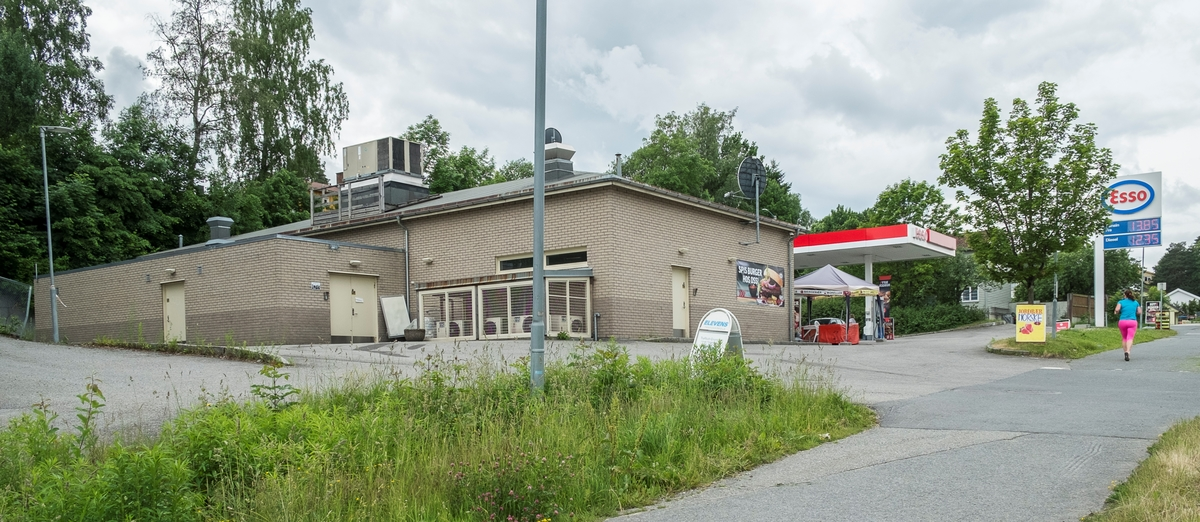 Esso bensinstasjon Drammensveien Asker