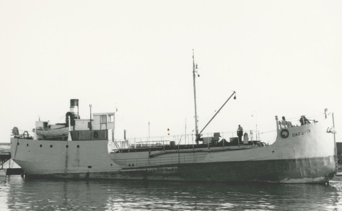 Ägare:/1956-63/: ett partrederi, Huvudredare: Knut B. Julin. Hemort: Vrångö.
