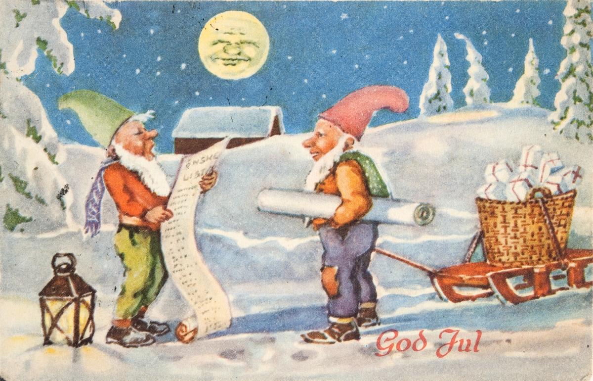 Julekort. Jule- og nyttårshilsen. Vintermotiv. To julenisser på tur med en kurv full av gaver. Den ene nissen sjekker gavelisten. Ingen av nissene har røde nisseluer.  Tyskerne forbød bruk av røde nisseluer i 1941. Stemplet 23.23.1946.