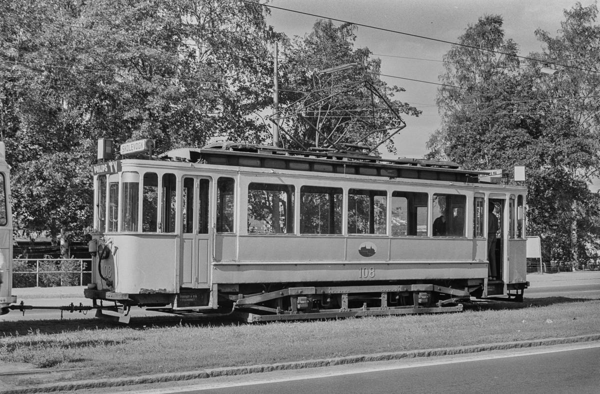 Oslo Sporveiers sporvogn nr. 108.