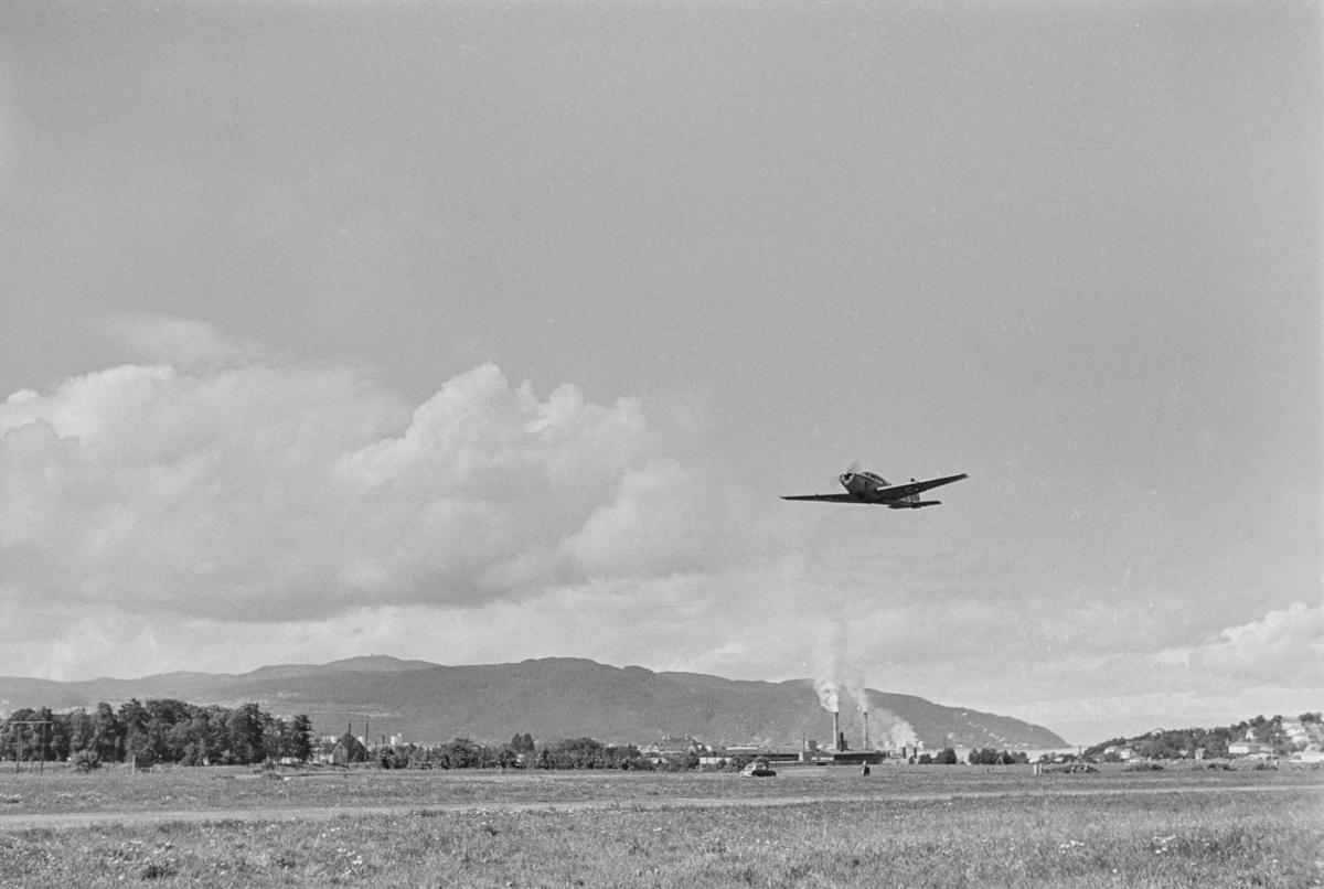 Flystevne på Lade flyplass. Safir take-off