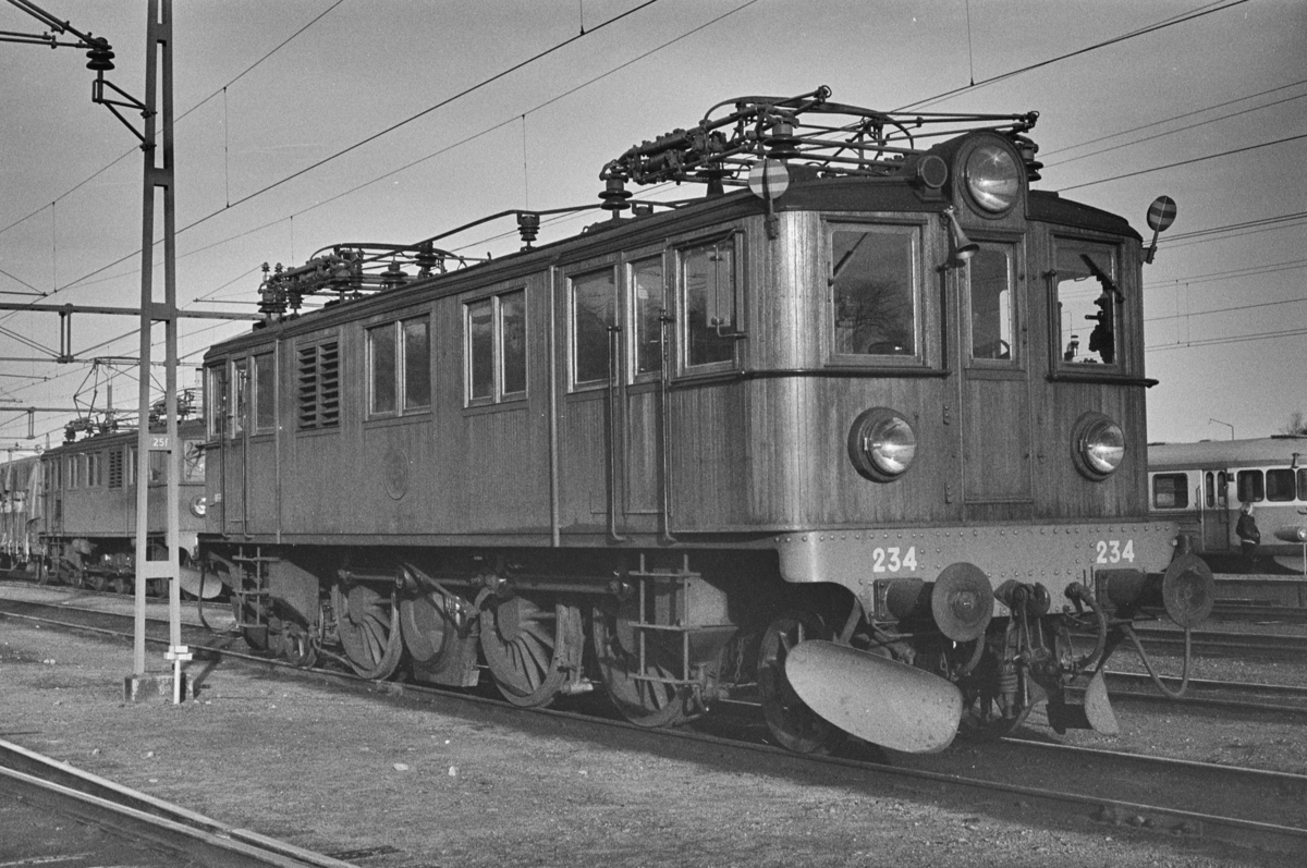 Svensk elektrisk lokomotiv type Du nr. 234 i Ängelholm i Sverige.