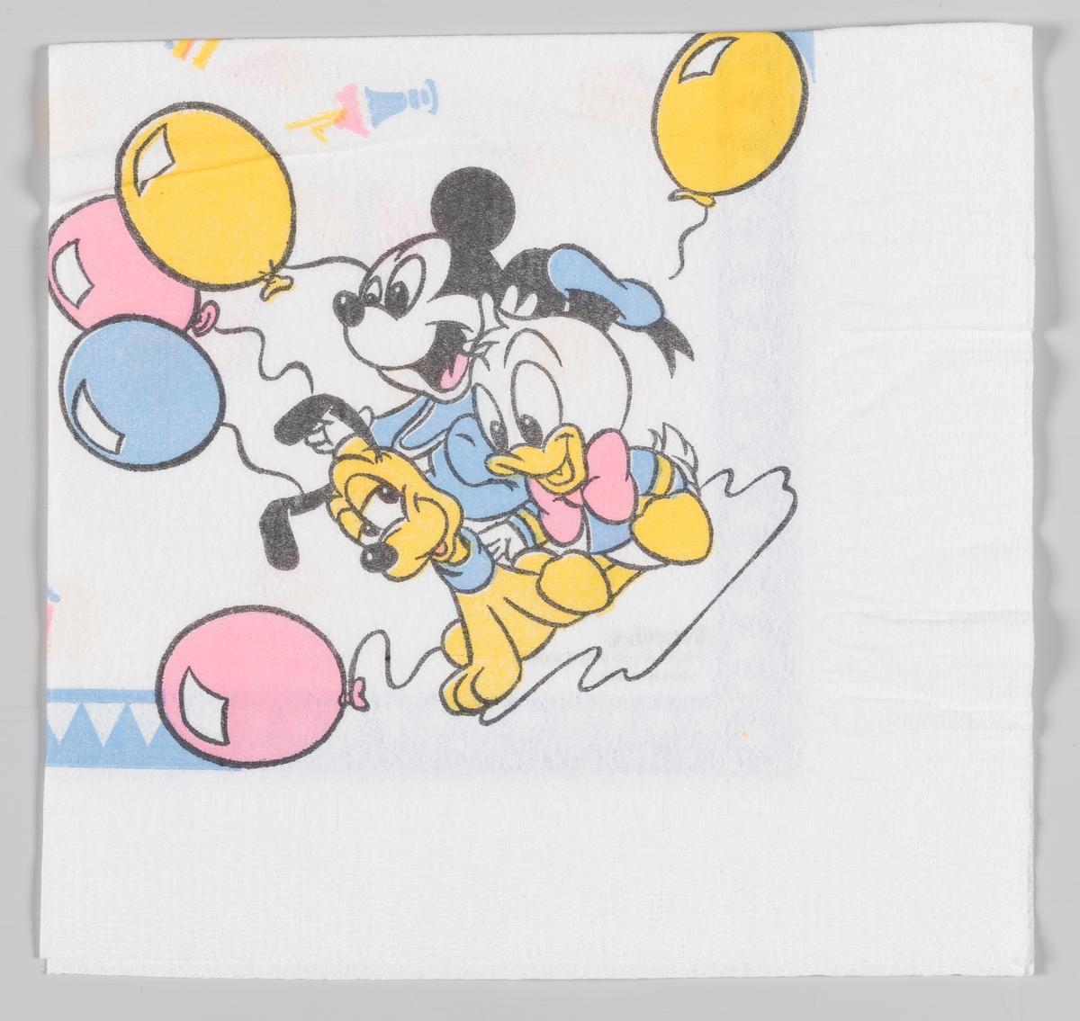 Baby Mikke Mus, baby Donald Duck og valpen Pluto sitter smilende mellom ballonger