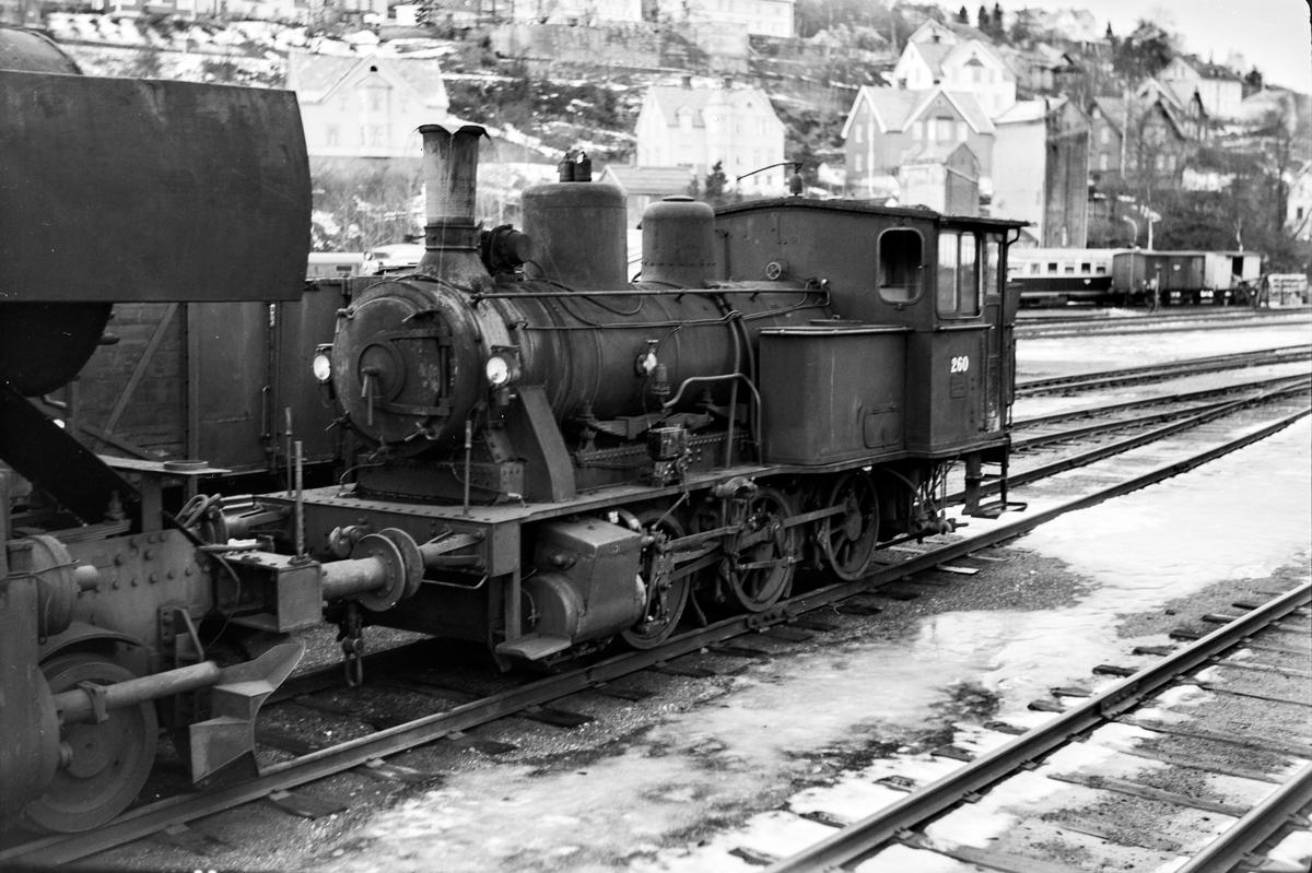Damplokomotiv type 25a nr. 260 på Marienborg.
