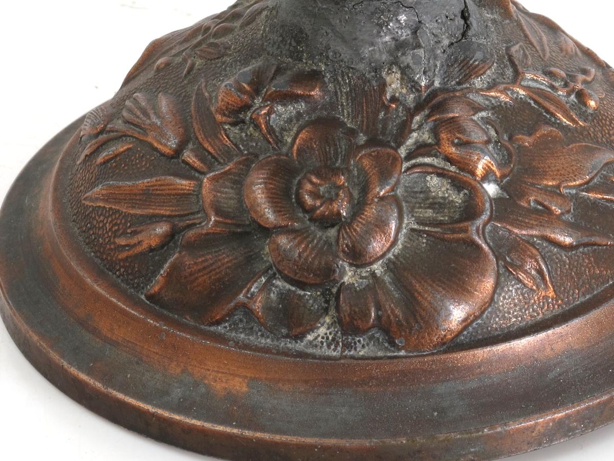 Relieffer,/ blomster,/ fugler og blomster,/ biller på eikeblad,/ ov