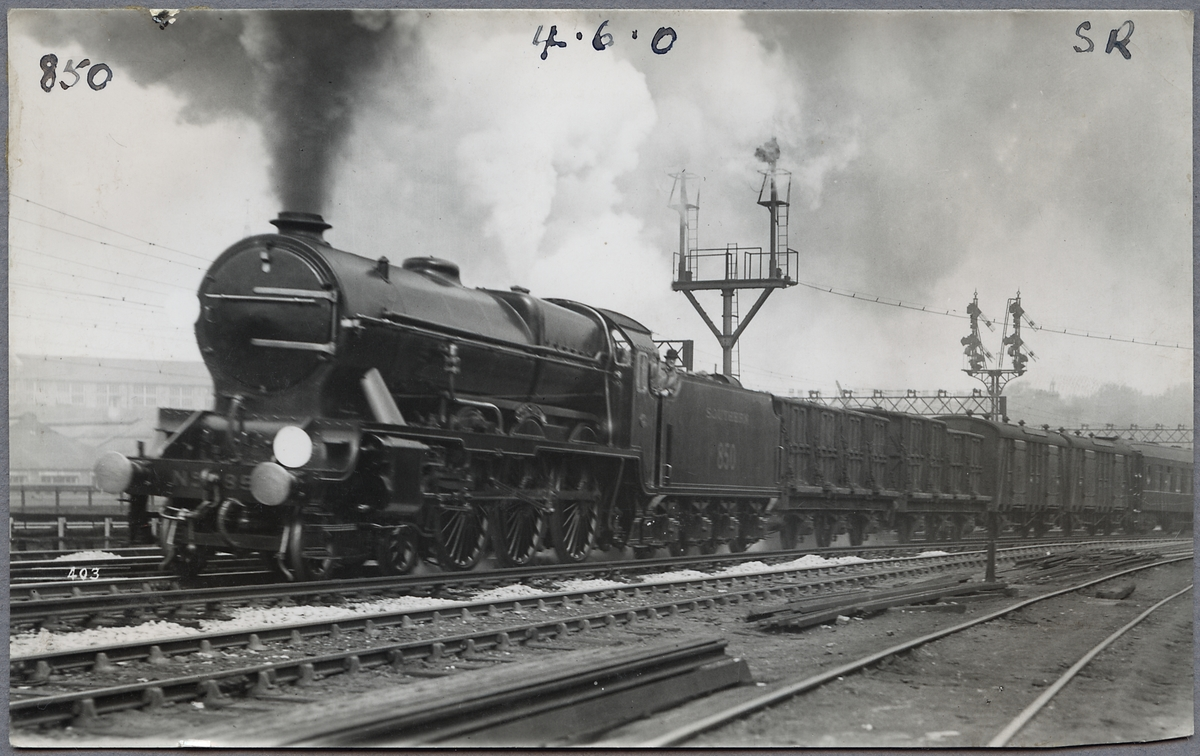 """Southern Railway, S.R. LN 850 """"Lord Nelson""""."""
