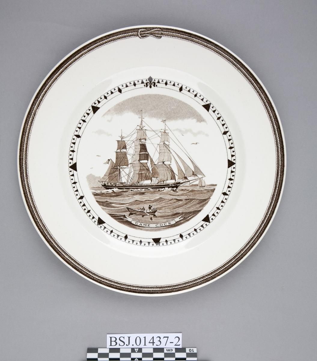Tallerken med motiv av GAME COCK, amerikansk klipper skip