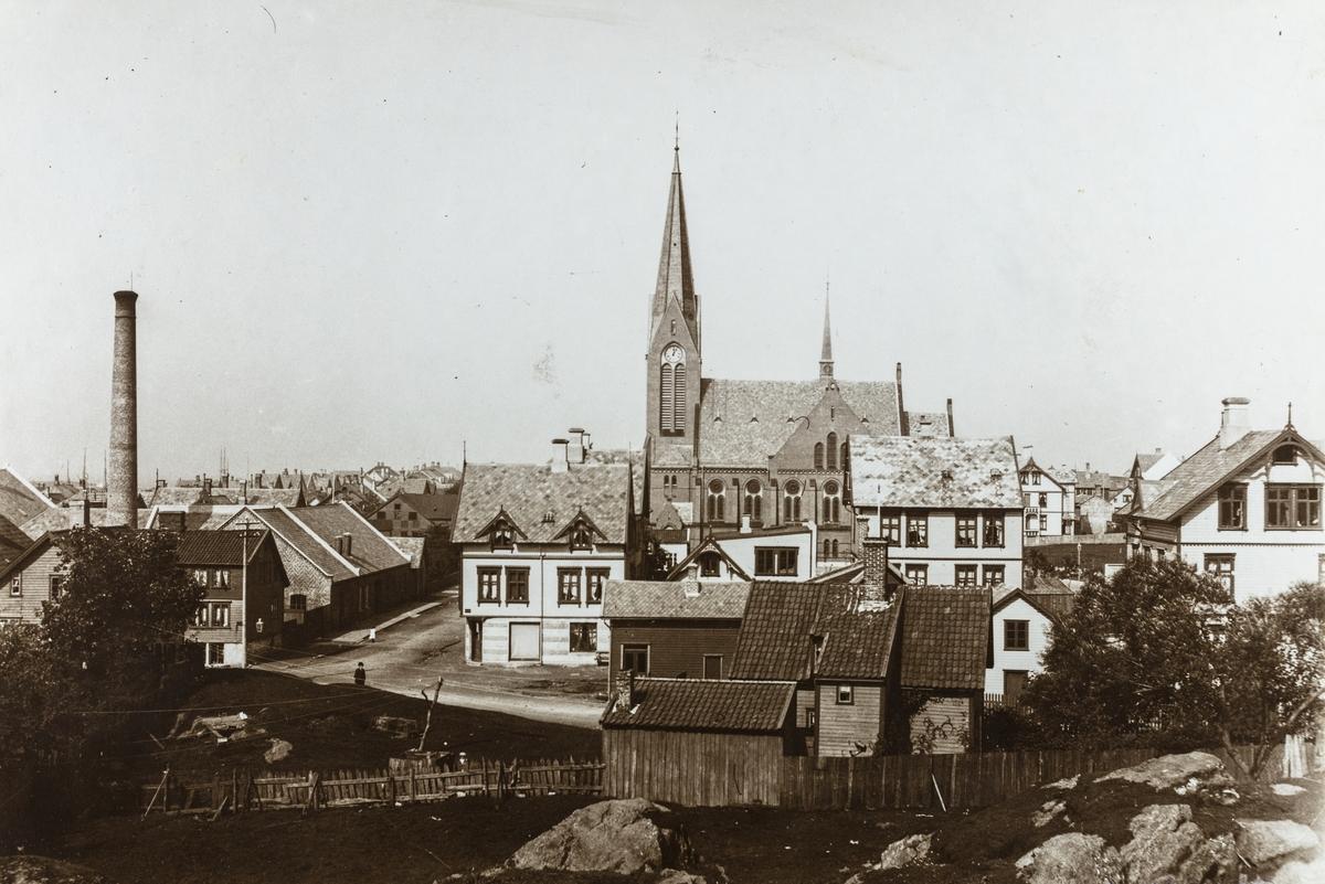 Kirkegata - Djupaskarvegen sett mot nordvest, ca. 1906.