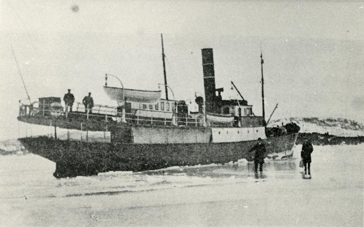 Motivet viser DS OSTER (bygget 1908)