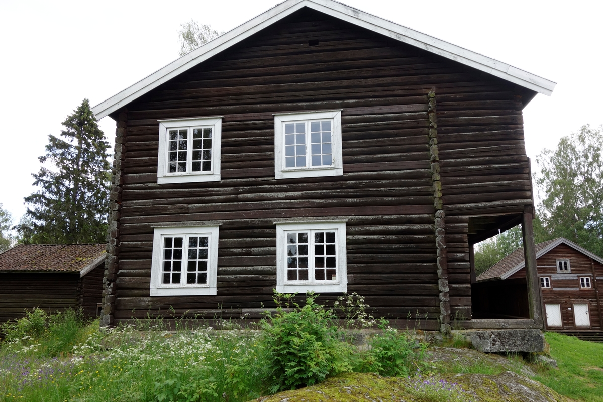 Hovedbygning, Sø-Oppsal i Åsleia fra ca. 1800. Flyttet på begynnelsen av 1950-tallet.